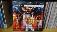 2_053-Queen