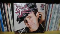 2_064-Elton-John